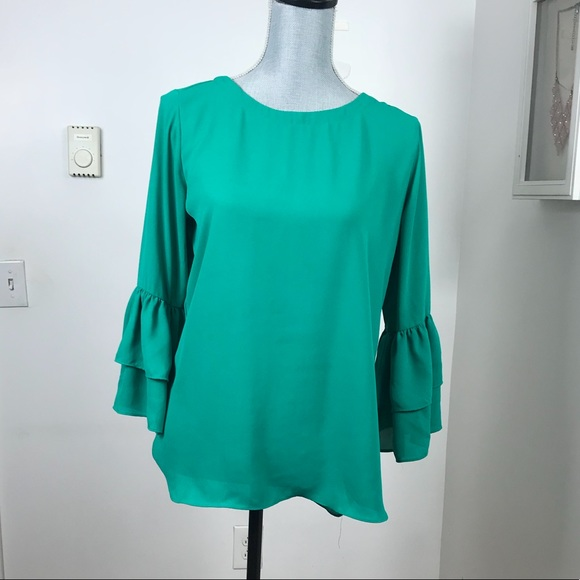 Violet & Claire Tops - VIOLET + CLAIRE RUFFLE SLEEVE GREEN BLOUSE SIZE SM